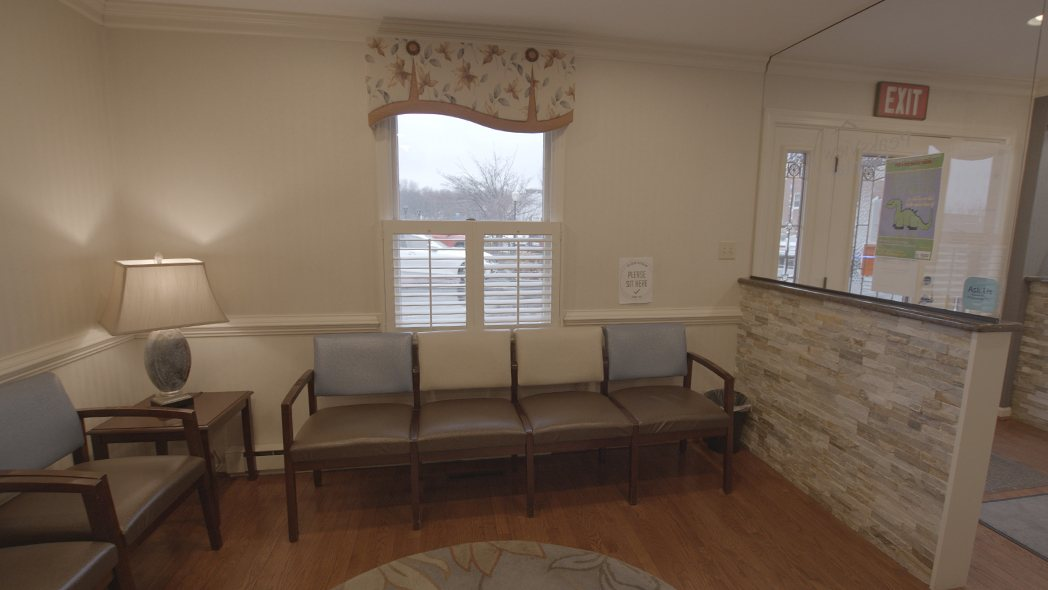 PeaksView Dental waiting room